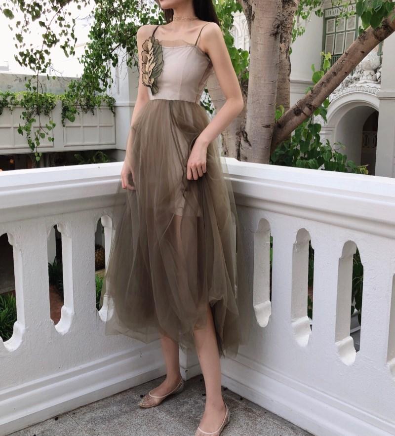 實拍實價 控價75 夏季吊帶網紗刺繡修身顯瘦大擺長款連衣裙