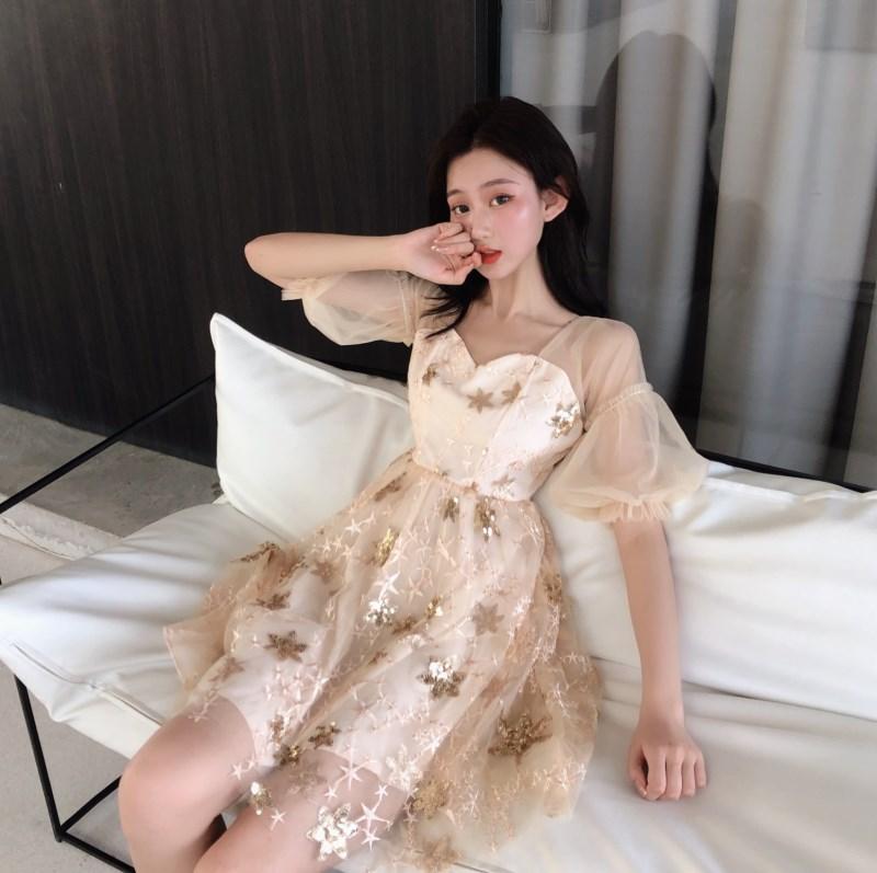 實拍實價 控價85 很仙的小眾桔梗裙連衣裙刺繡重工泡泡袖網紗裙