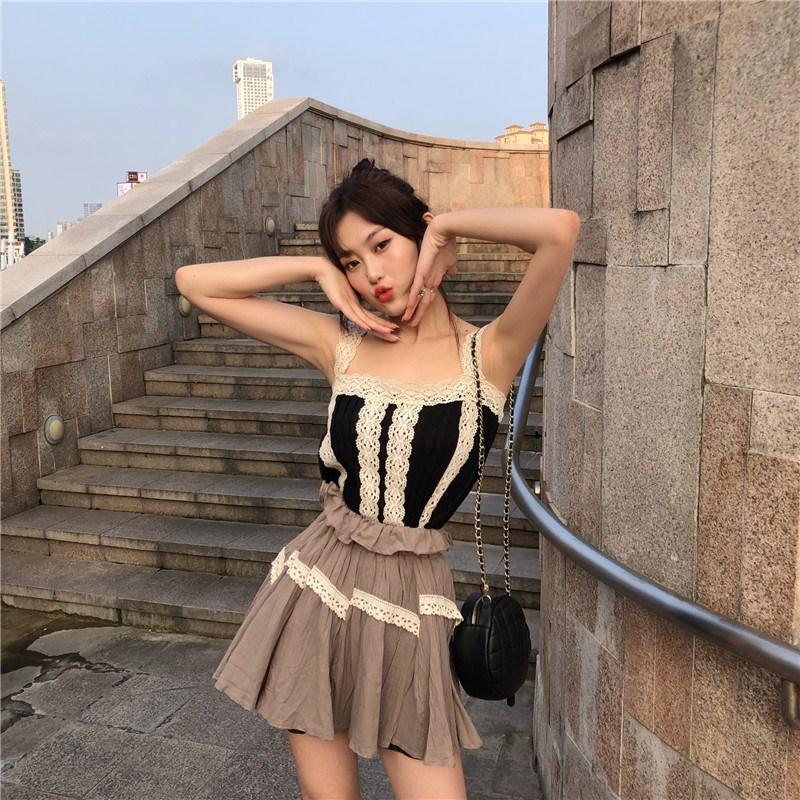 實拍實價 控價29-39 少女花邊蕾絲拼接吊帶背心+高腰棕色花苞裙