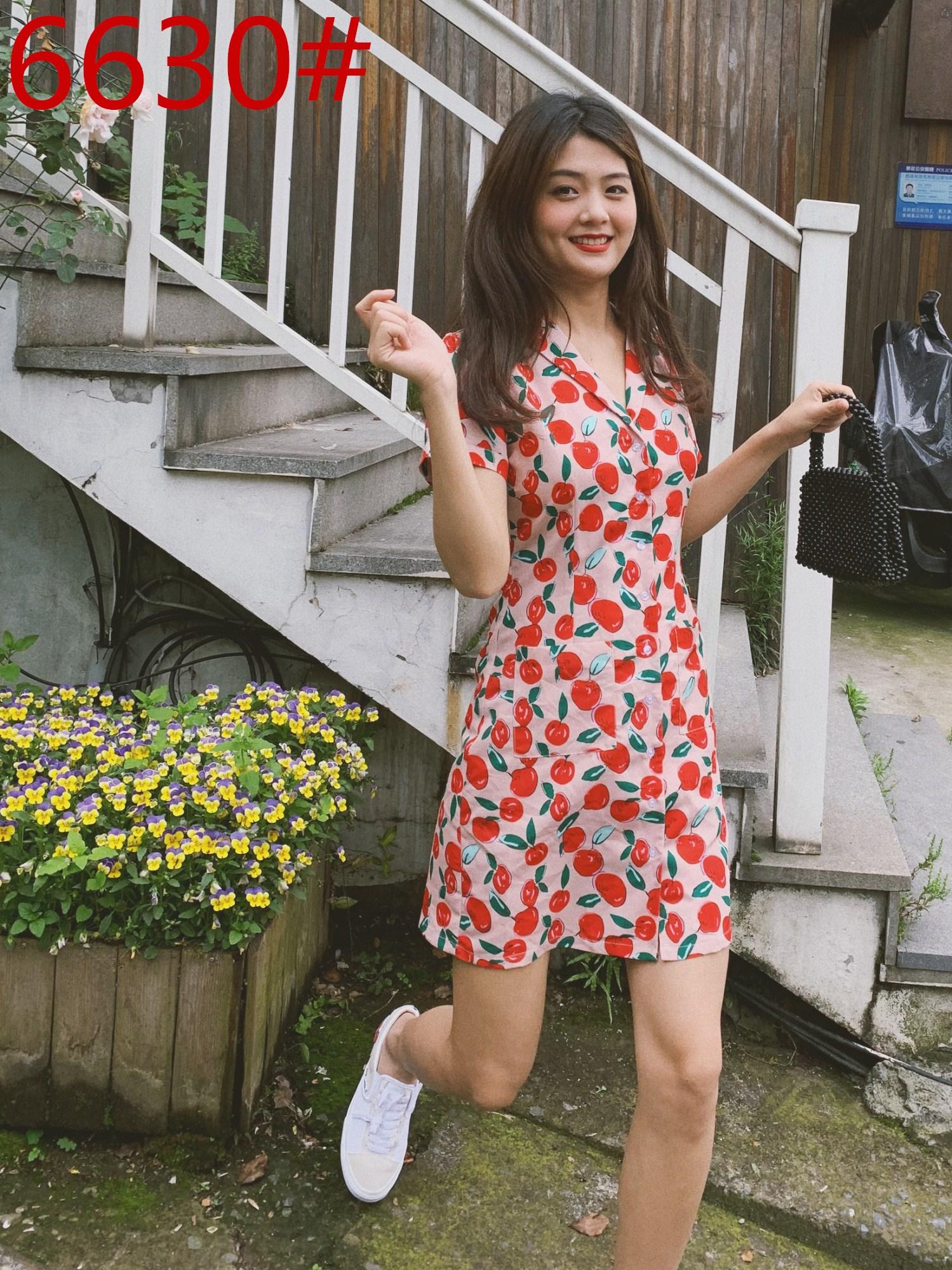 下蛋喵 19夏季法国小众红苹果图案胭粉显瘦西装领复古少女连衣裙