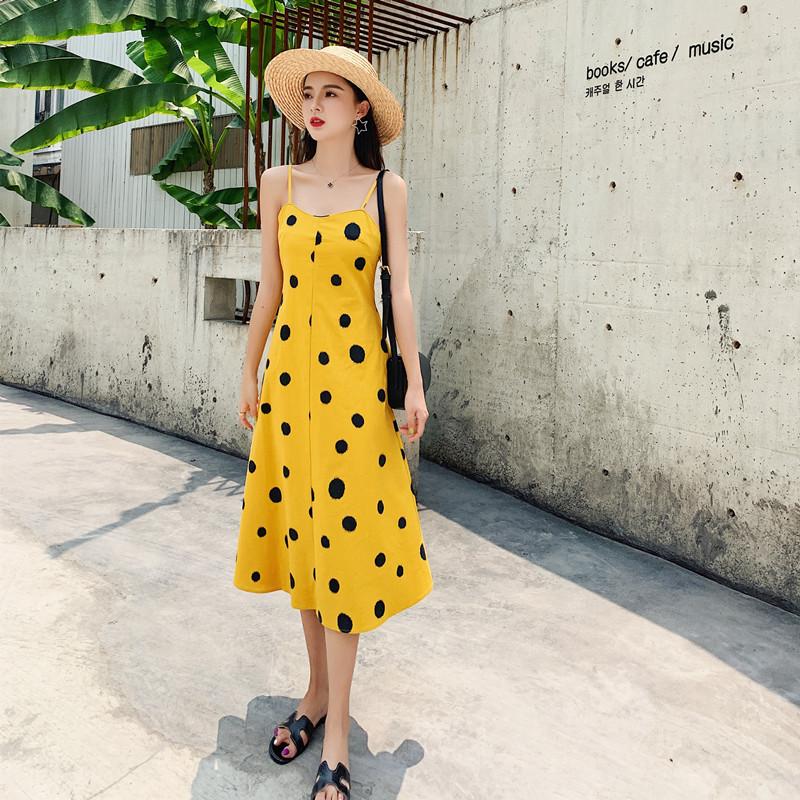 實拍2019法國復古過膝初戀很仙黃色波點吊帶連衣裙子女夏度假裙