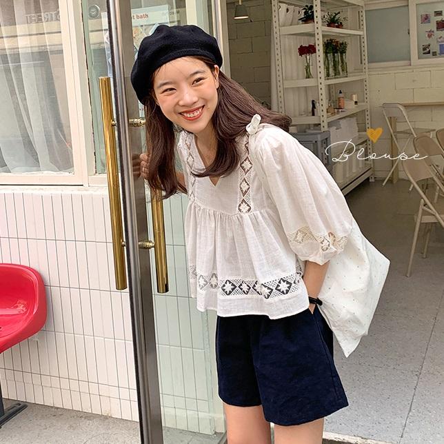 鬼马系少女~~五月游玩记~蕾丝拼接短款衬衫