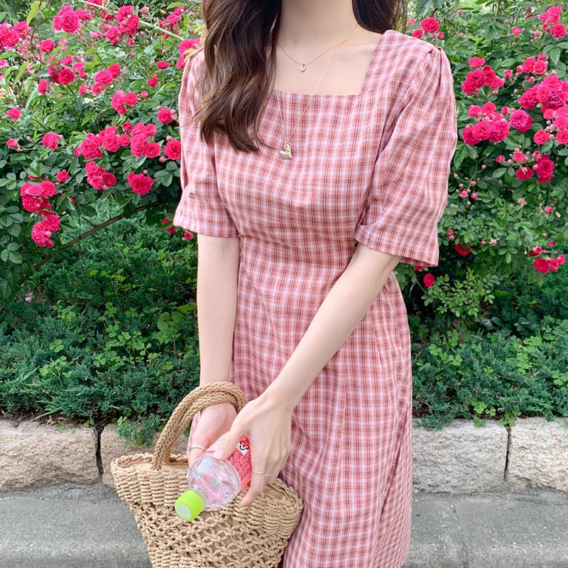 鬼马系少女~软萌粉色格子方领绑带收腰显瘦连衣裙