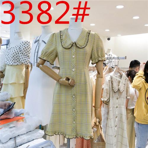 2019夏装新款法式复古娃娃领短袖格子连衣裙女时尚宽松单排扣短裙