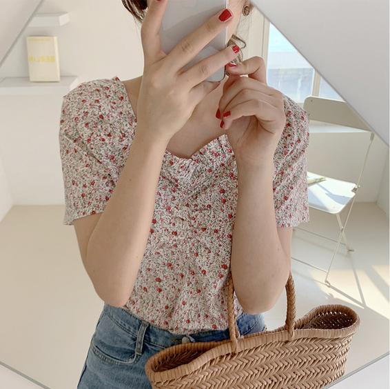 韩国ins 新款清新百搭气质碎花泡泡短袖衬衫女