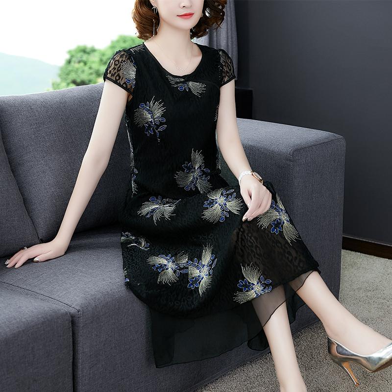 妈妈夏装气质连衣裙高贵40岁50中老年女装短袖绣花裙子洋气阔太太