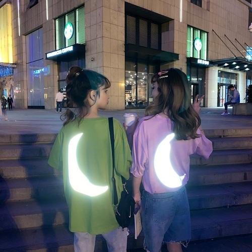 夏季韩版学生时尚短袖t恤女宽松反光月亮黑暗丧系闺蜜上衣