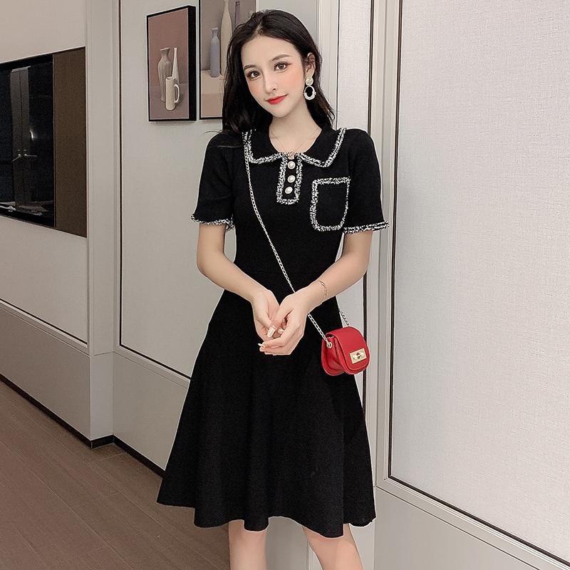 夏季網紅小香風露腰小心機連衣裙針織氣質修身顯瘦小黑裙收腰短裙