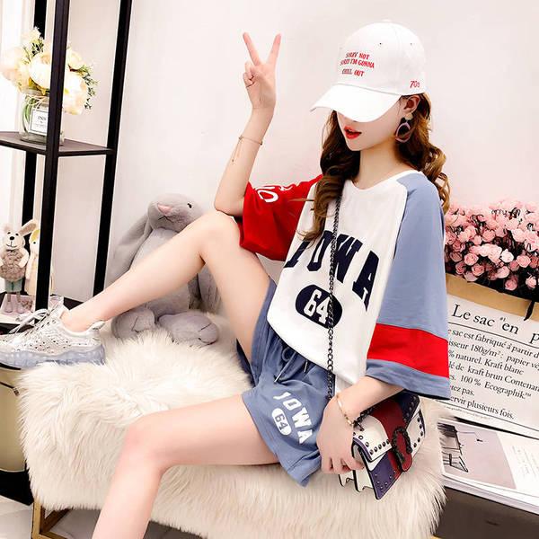 小清新網紅運動風t恤套裝女2019夏裝休閑學生短袖上衣短褲兩件套