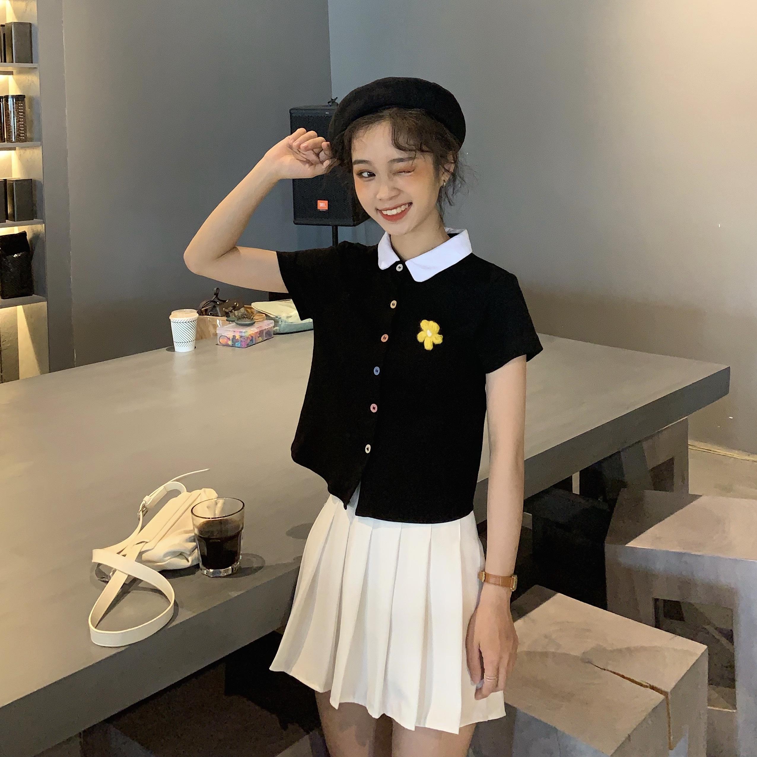 控價5實拍實價泫雅風可愛小花朵短袖T恤女夏新款POLO領單排扣開衫