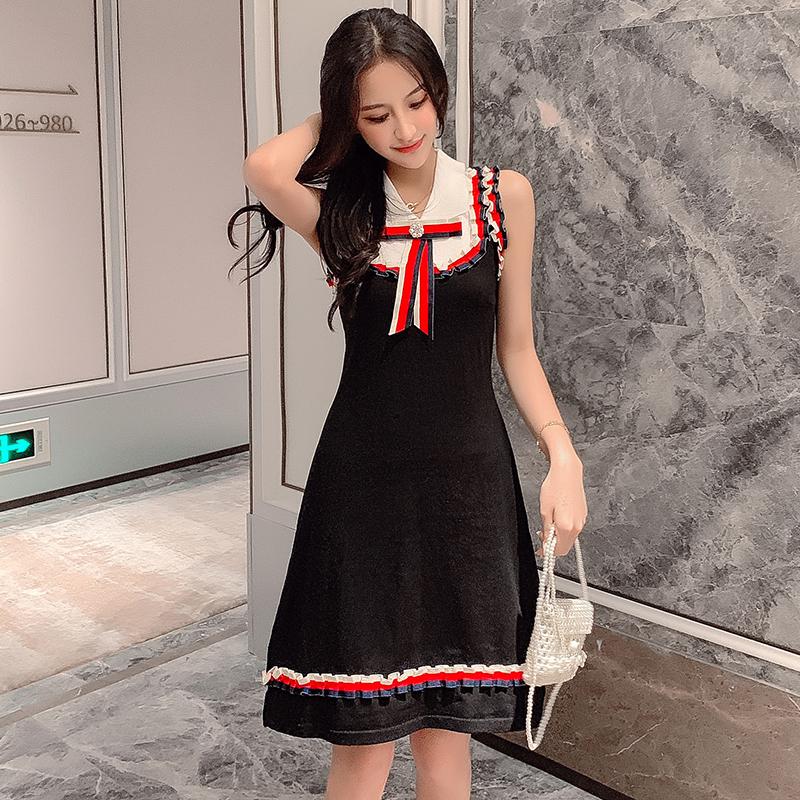 小香风连衣裙女2019新款夏季黑色心机背心小黑裙一字肩短裙子针织