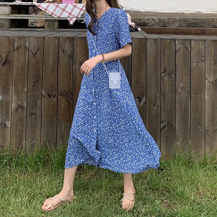 实拍实价韩国鬼马少女夏季温柔系V领碎花排扣连衣裙女蓝色长裙