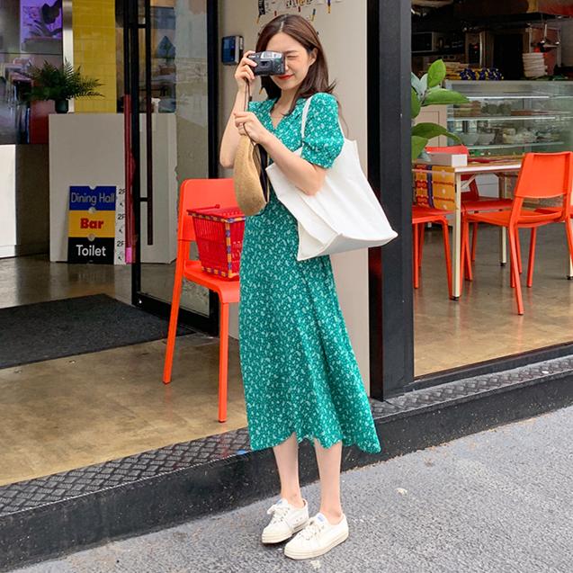 韓國 膚白貌美小綠裙長裙。收腰 連衣裙