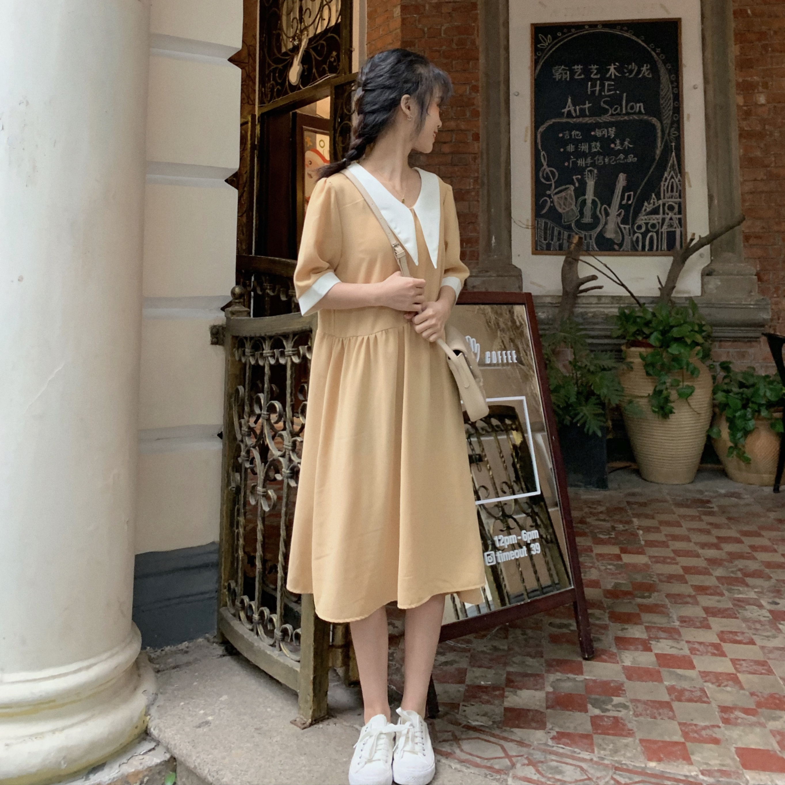 大量现货实拍实价韩版宽松娃娃领连衣裙学院风