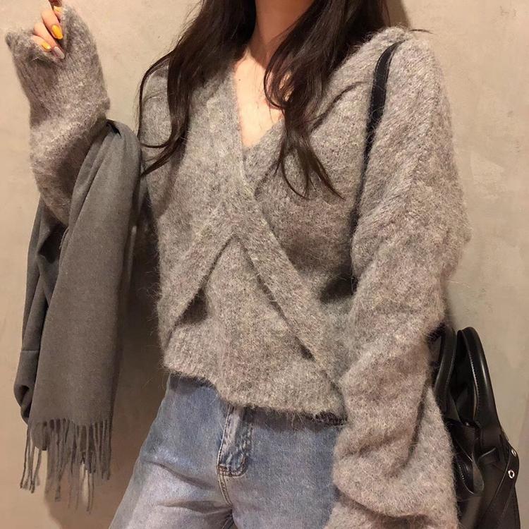 韓國東大門明星款網紅純色交叉V領毛茸茸套頭短款長袖毛衣設計感