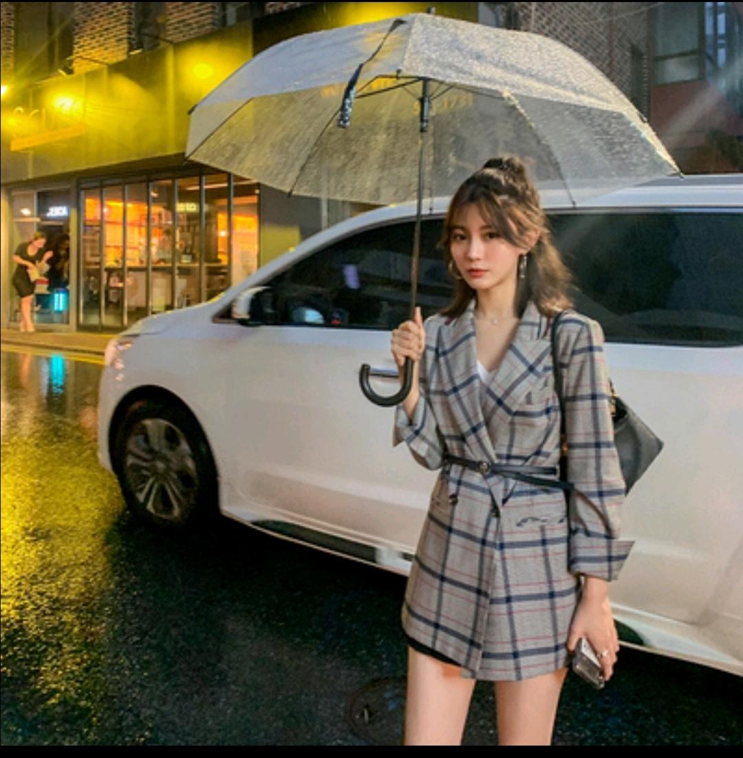 于momo英倫風寬松小西服女2019夏裝新品撞色格紋休閑百搭西裝外套