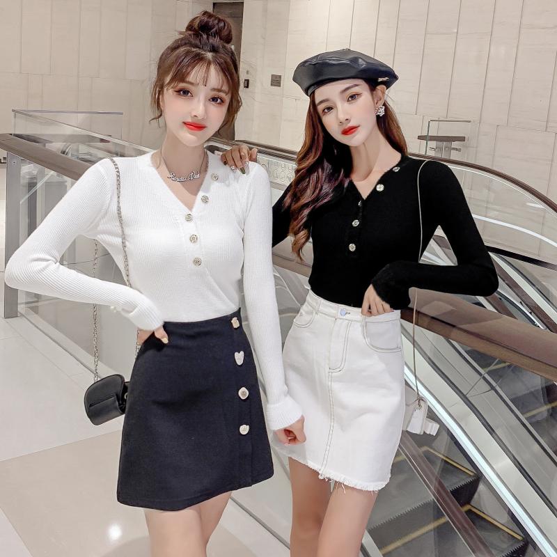 实拍2019秋冬季v领排扣长袖针织韩版修身打底毛衣 套头女