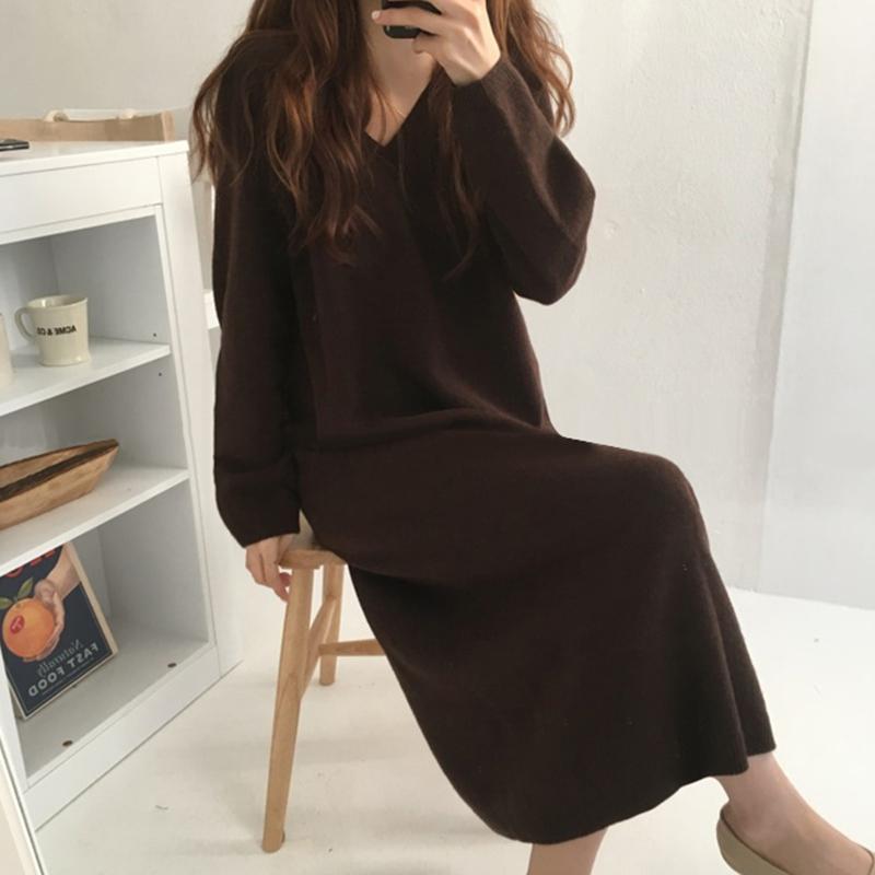 韩国chic早秋简约百搭V领套头宽松纯色过膝直筒针织毛衣连衣裙女