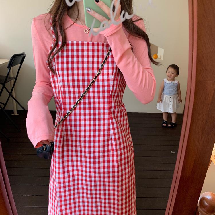 实拍?#23548;?#38889;国鬼马少女甜美草莓牛奶格子吊带连衣裙女+粉色内搭T恤