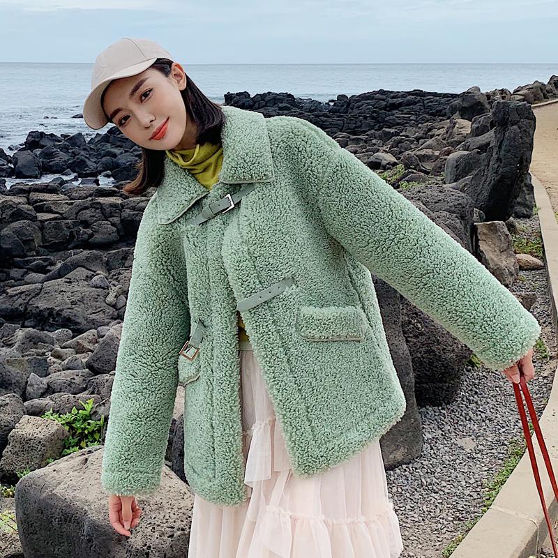亚博娱乐平台入口2019新款羊羔毛女短款 皮毛一体加厚外套毛呢棉服外套