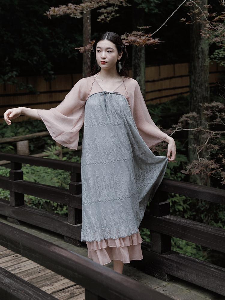 茉莉和扶蘇原創玉樹瓊花素錦藍花紋蕾絲拼接改良漢服連衣裙