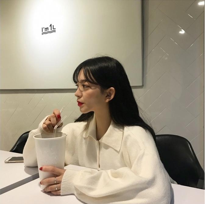 现货鬼马少女~韩国复古学院风减龄宽松休闲百搭翻领灯笼袖毛衣
