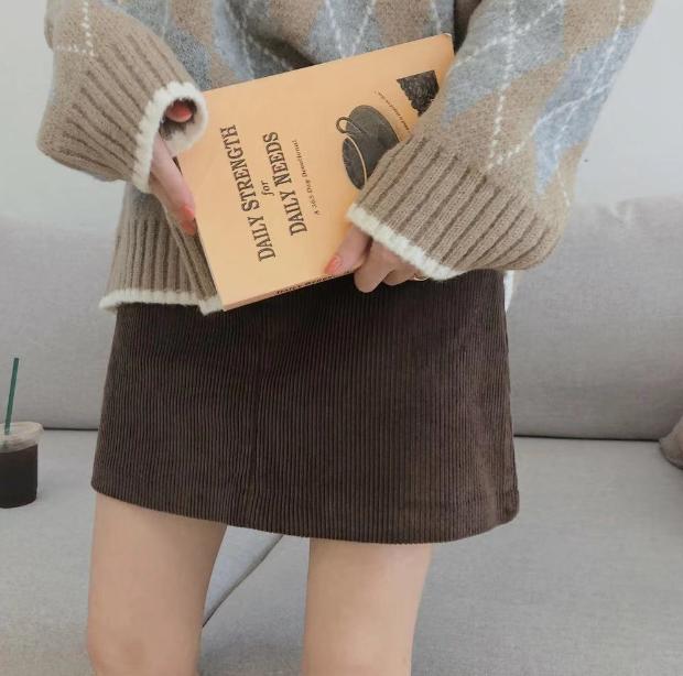 韓版 鬼馬系高腰百搭燈芯絨A字裙半身裙~2色