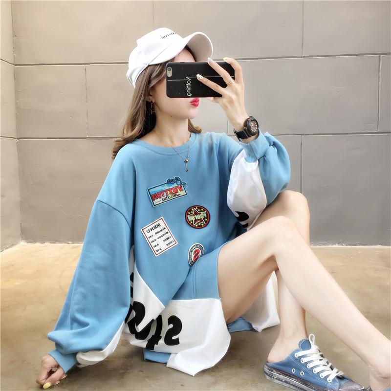 亚博娱乐平台入口棉质 秋季韩版宽松圆领前短后长拼接贴布中长款大卫衣女长袖