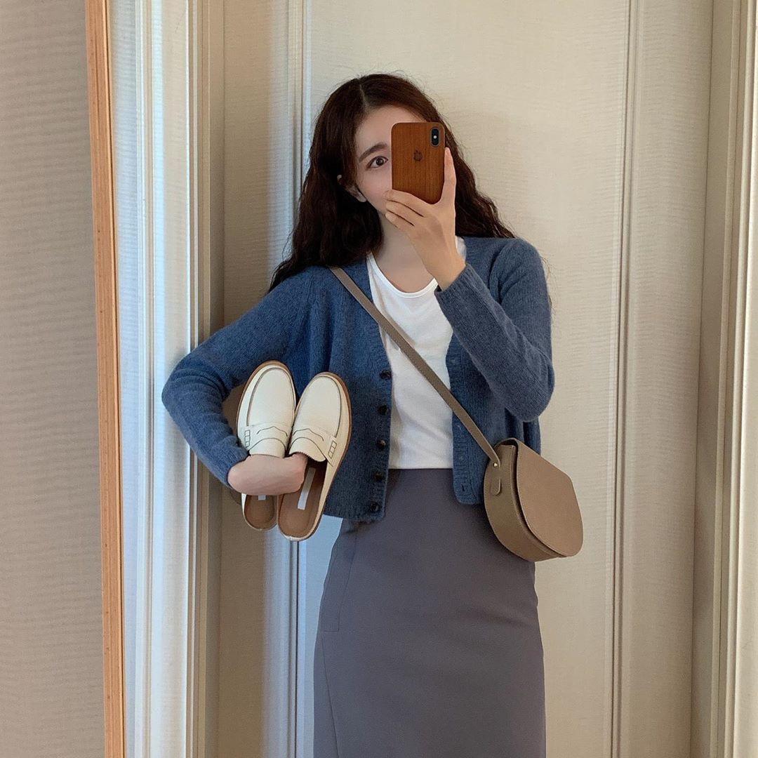 实价 短款针织开衫+显瘦半身裙