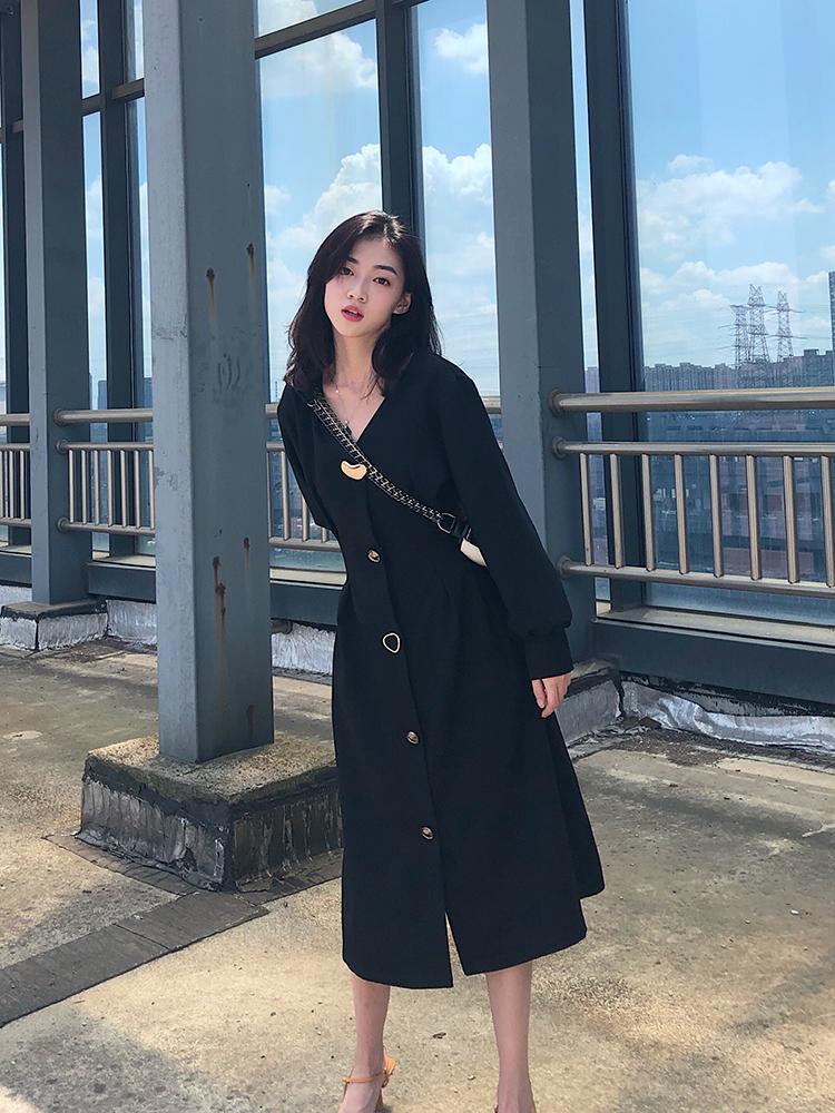 法式赫本風連衣裙女2019新款秋季V領收腰氣質顯瘦復古小黑裙長裙