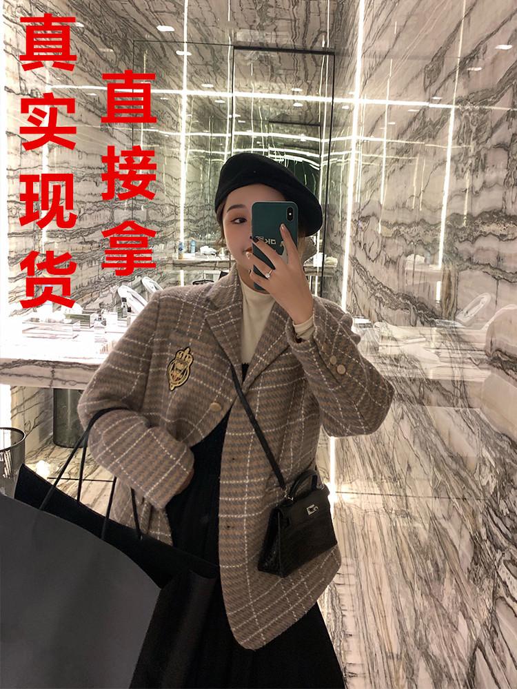 林珊珊2019秋季新款徽章學院風格子呢料西裝V領上衣外套