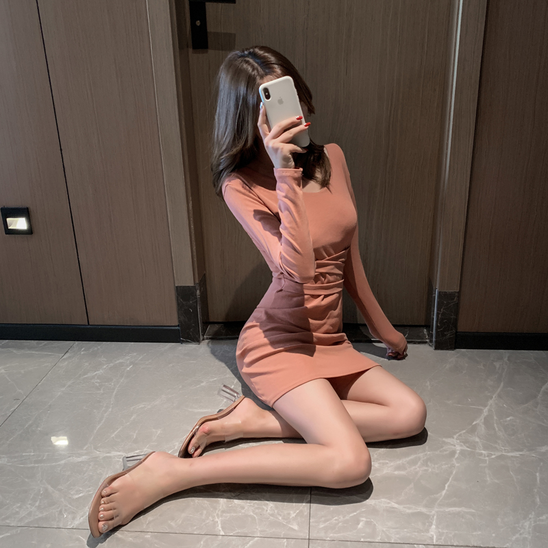 2019秋季chic氣質性感長袖V領中長包臀打底修身腰間綁帶連衣裙