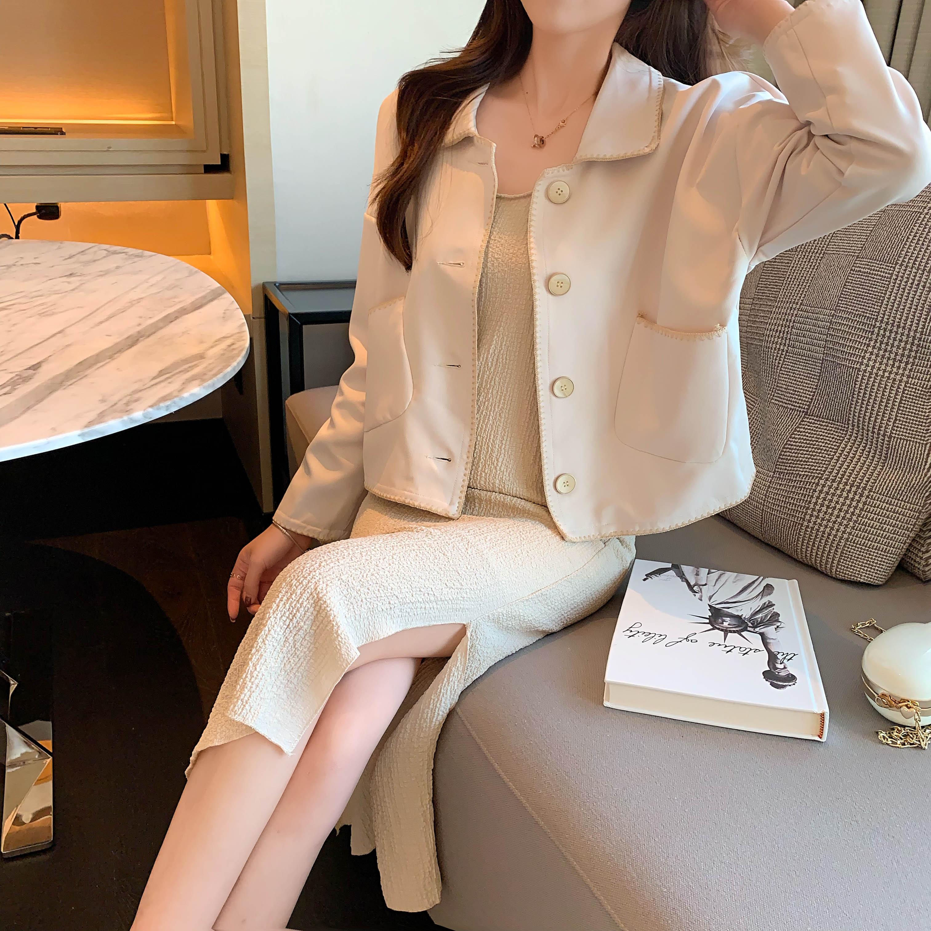 實拍實價#韓版寬松溫柔小香風重工外套+百搭過膝打底吊帶裙