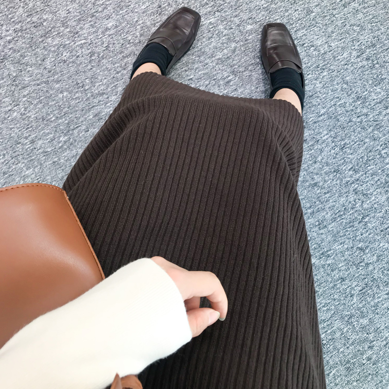 實拍現貨2019秋冬新款針織面料包芯紗坑條A字版型半身裙
