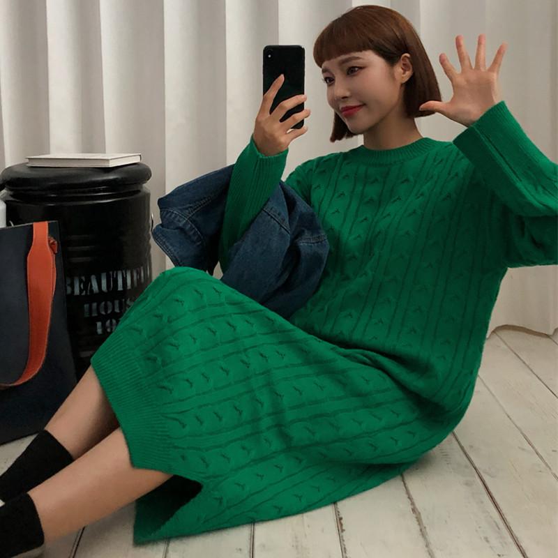 现货秋冬大码圆领宽松裙摆开叉可爱韩国大码毛衣麻花纹针织连衣裙