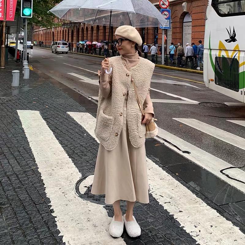 孕妇装羊羔毛小香风马甲秋冬2019新款坎肩背心外穿韩版宽松套绒