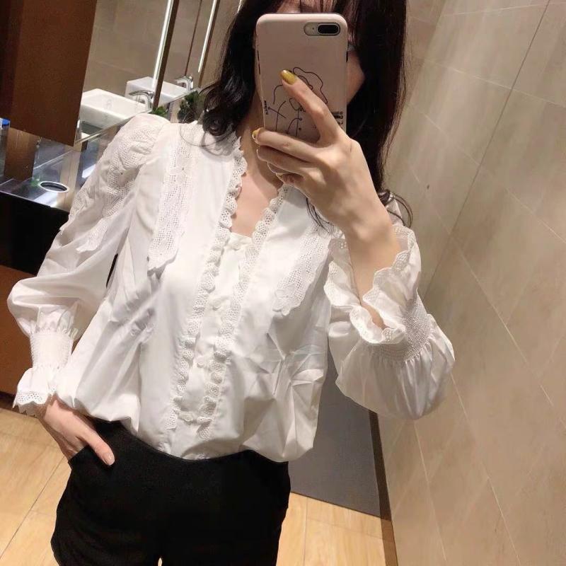 法式小众白衬衫19冬宫廷风泡泡袖V领轻熟上衣配马甲毛衣超美