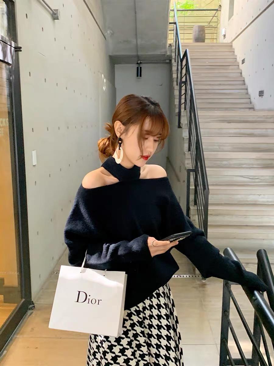 黑色毛衣女宽松外穿2019新款秋冬学生小心机露肩针织衫时尚百搭潮