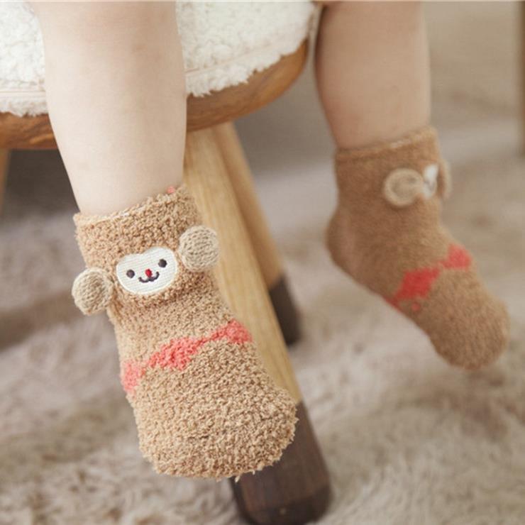 日系 足底硅膠防滑珊瑚絨卡通立體刺繡兒童襪 禮盒裝襪子 地板襪