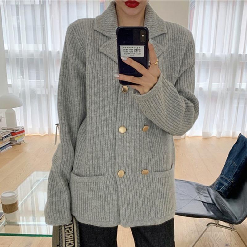 極簡主義優雅翻領雙排金屬扣重工厚實寬松針織毛衣外套