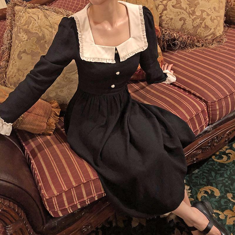 十早夢戲巴黎法式復古赫本風長袖花邊方領撞色高腰黑連衣裙