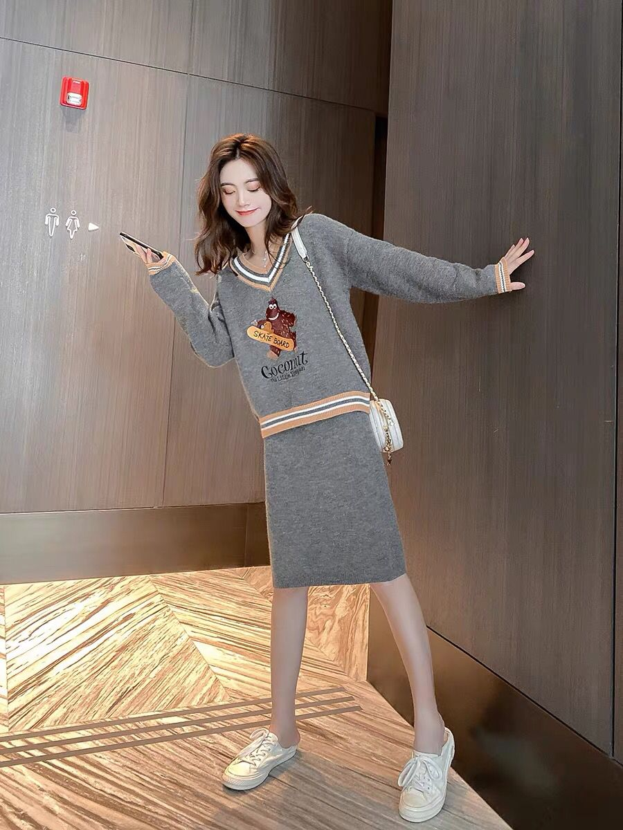 可可奈IP聯名款印花上衣裙子秋冬時尚套裝洋氣針織衫時髦顯瘦半裙