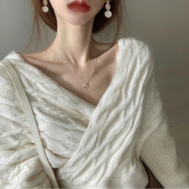 麻花交叉短款套頭毛衣女裝性感V領露肩不規則針織衫
