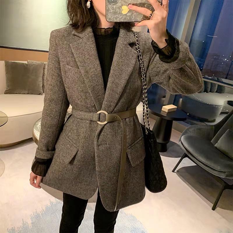 MUKOK毛呢外套女冬季2019新款西裝領修身短款小個子羊毛呢子大衣