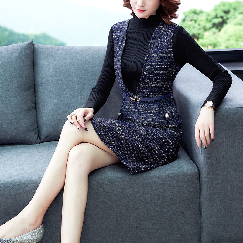 實拍毛呢背心連衣裙女2020新款修身v領無袖背帶裙洋氣減齡兩件套