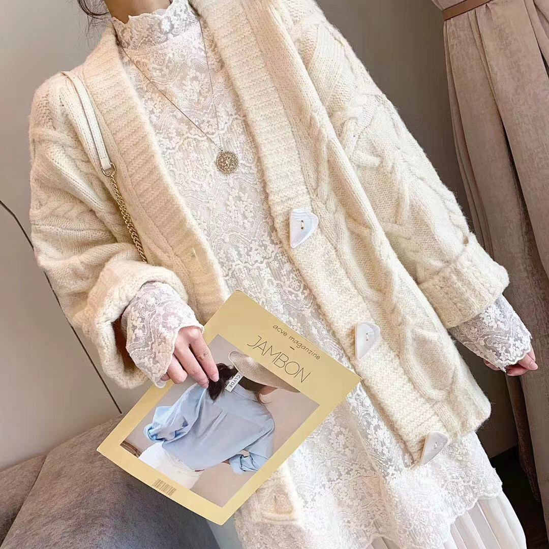 冬装新款百搭羊绒麻花毛衣开衫蕾丝拼接百褶连衣裙 两件套