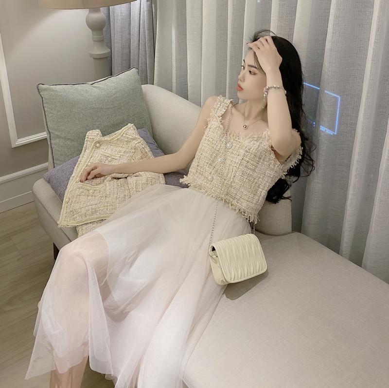 實拍實價 春季新款小香風短外套+吊帶背心+不規則紗裙