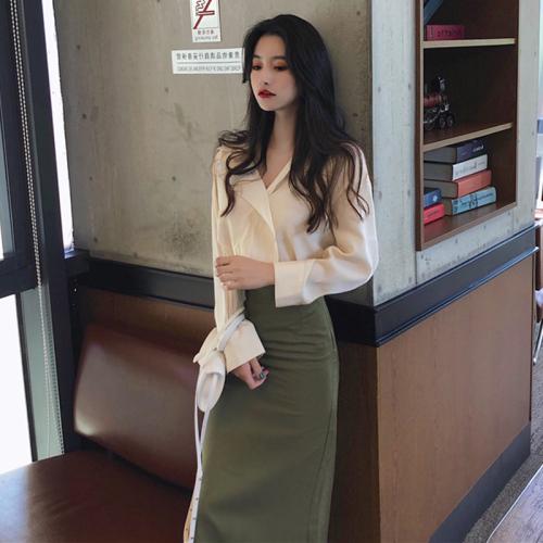 2020春季網紅女神洋氣減齡套裝裙子小香風泫雅御姐高冷顯瘦兩件套