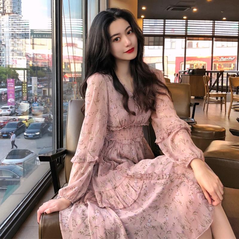 很仙的碎花雪紡長袖連衣裙春裝2020年新款長款高腰收腰顯瘦桔梗裙