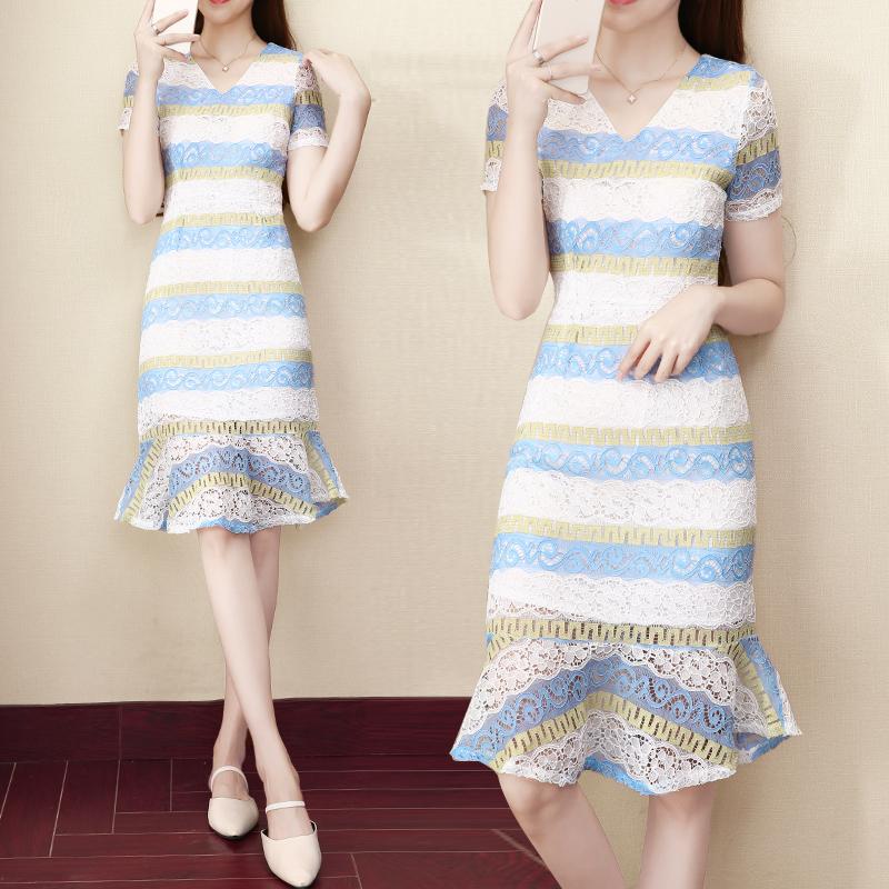 港味名媛氣質蕾絲連衣裙女夏2020新款顯瘦心機設計感魚尾裙子